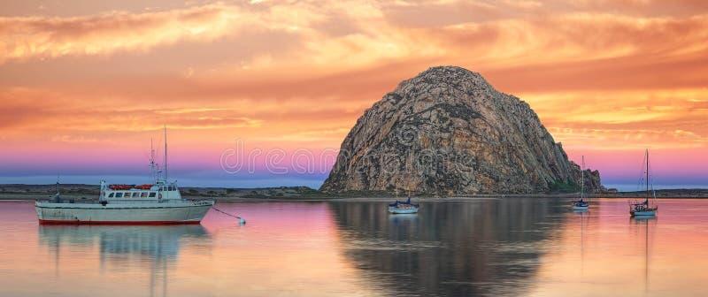 Пастельные небеса над заливом Morro стоковое изображение rf