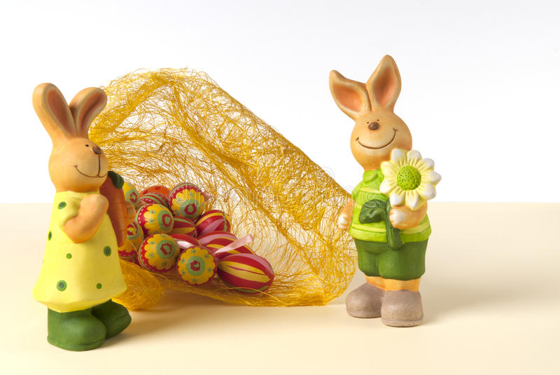 Download пасхальные яйца зайчика стоковое изображение. изображение насчитывающей яичка - 18398281