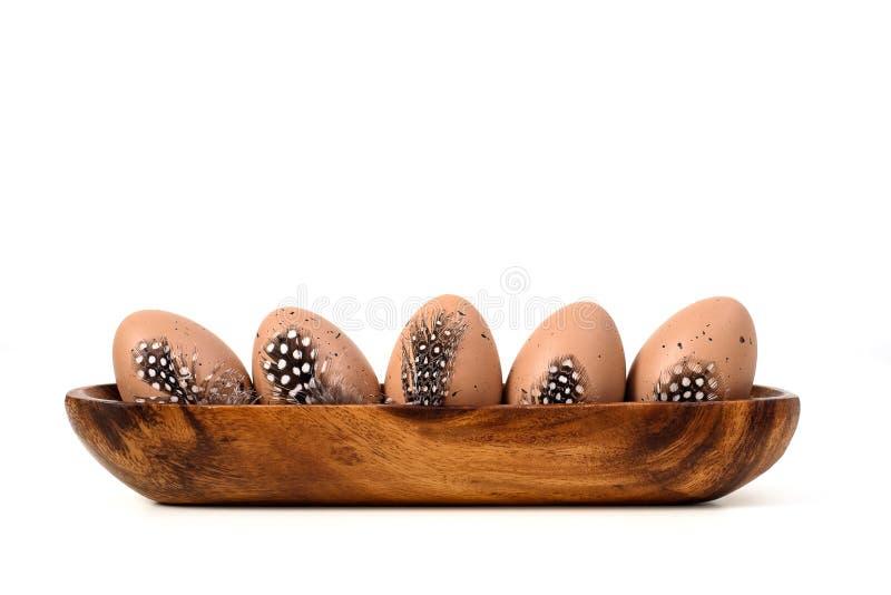 Пасхальные яйца над белизной стоковая фотография