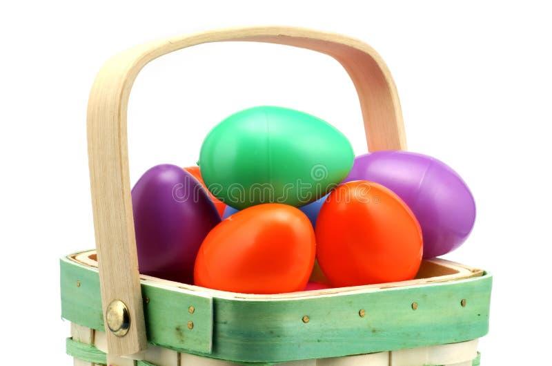 Download пасхальные яйца стоковое фото. изображение насчитывающей корзины - 487142