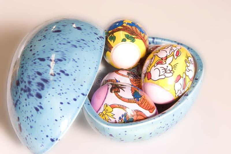 Download пасхальные яйца стоковое фото. изображение насчитывающей цыпленок - 85574