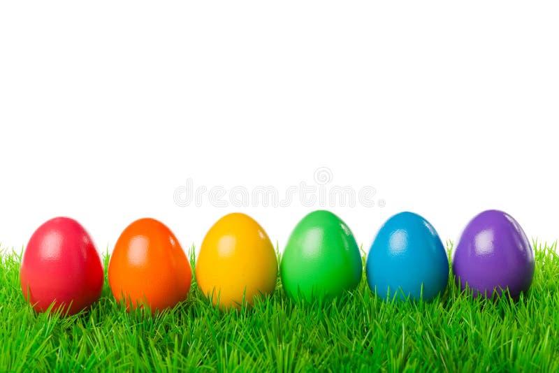 Пасхальные яйца в ряд стоковая фотография rf