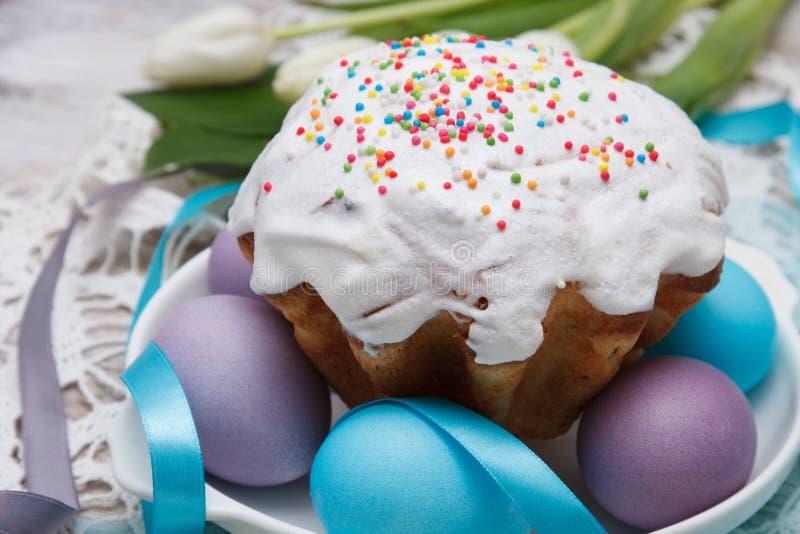 пасхальные яйца торта цветастые стоковое фото
