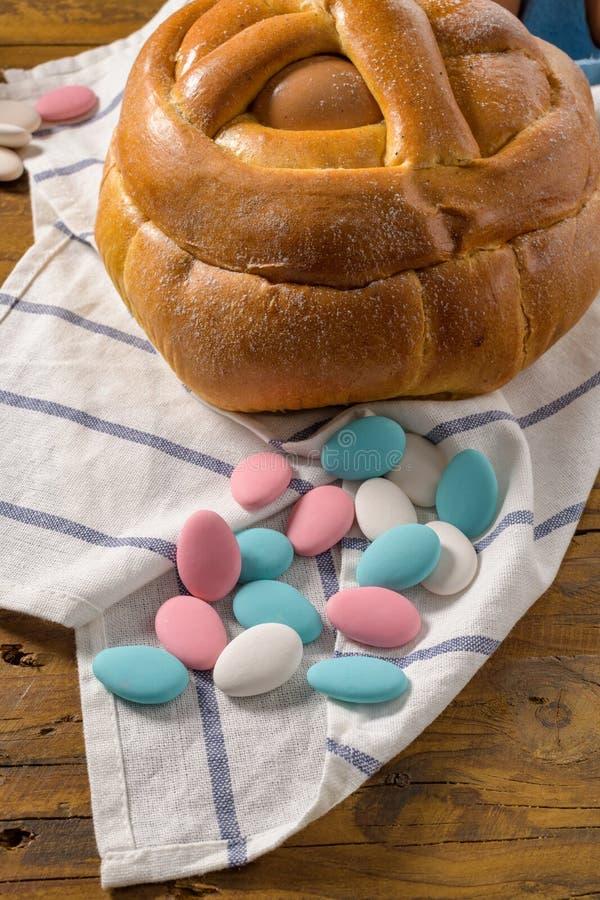 Пасха folar с яичком стоковая фотография