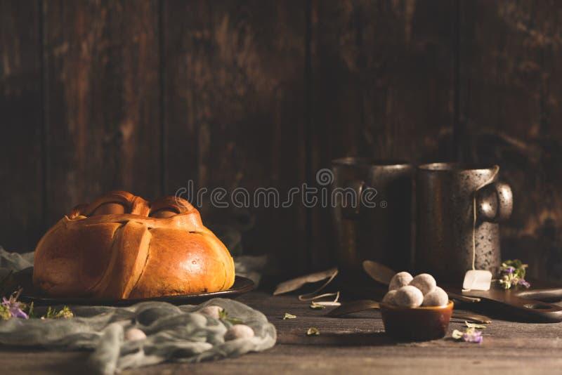 Пасха folar с яйцом стоковые изображения rf