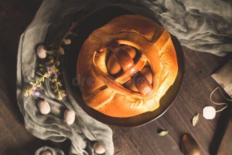 Пасха folar с яйцом стоковая фотография rf