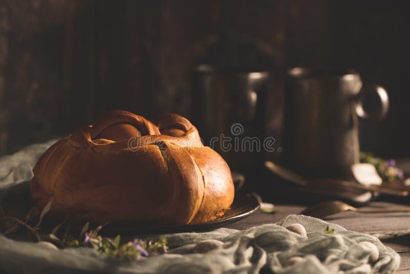 Пасха folar с яйцом стоковые фото