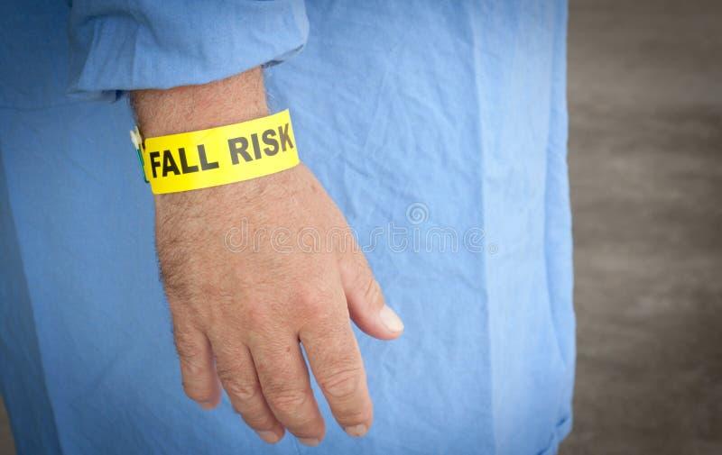 Пациент браслета риска падения стоковые фото