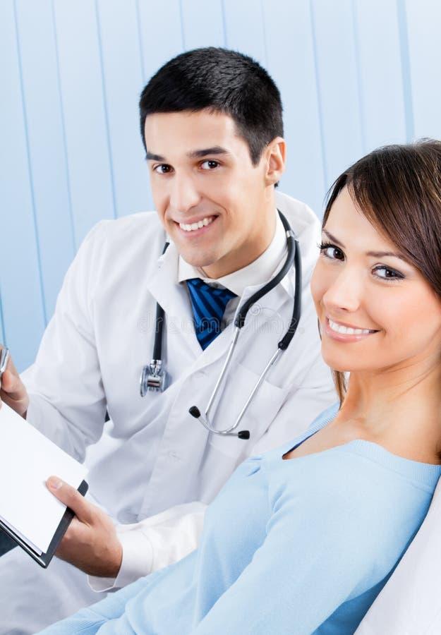 пациент доктора стоковая фотография rf