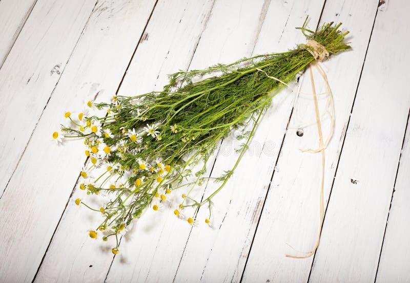Пачка стоцвета на деревенской предпосылке стоковая фотография rf