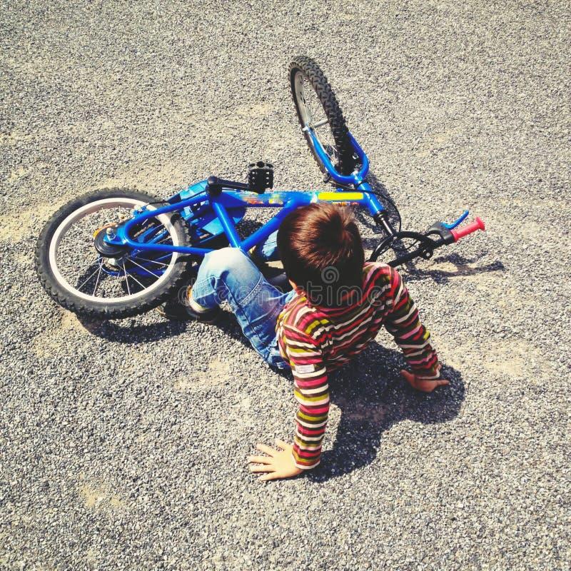 Падать велосипед