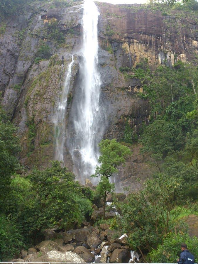 Падение воды diyaluma Шри-Ланка и естественное место стоковое фото