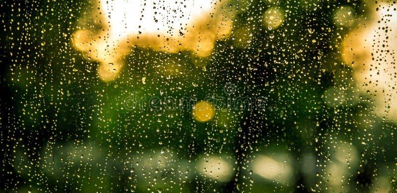 Падения дождя на камере стоковые фотографии rf