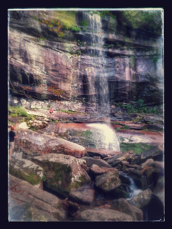 Падения FallsRainbow радуги стоковая фотография