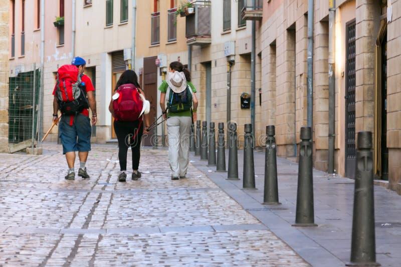 Паломники идя вдоль пути St James (Camino de Сантьяго) стоковое фото