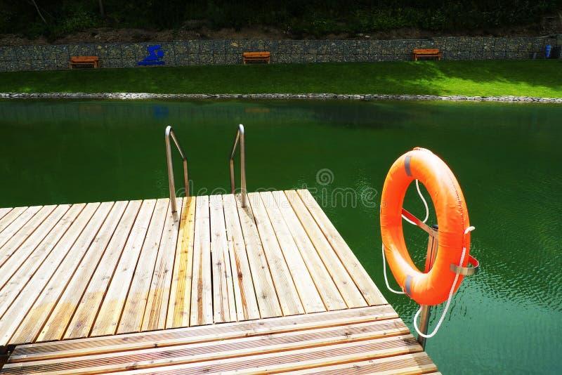 Палуба на бассейне стоковые фотографии rf