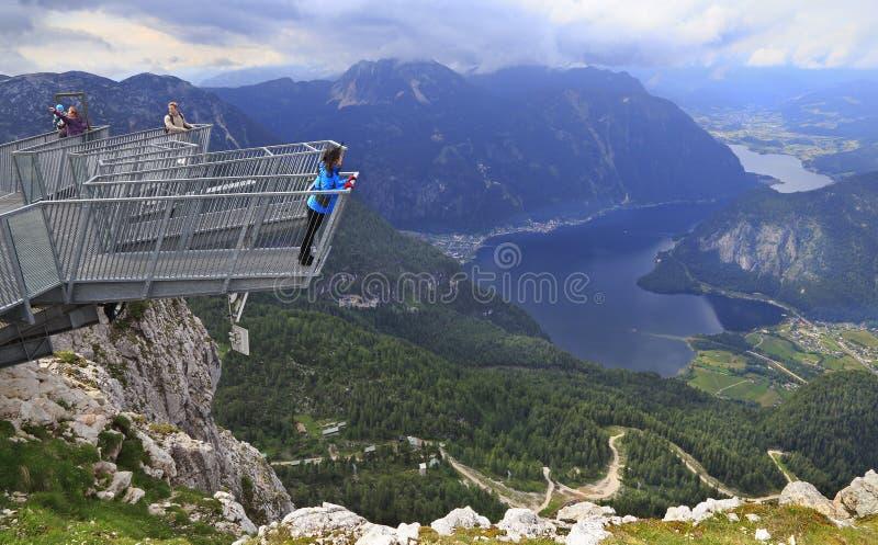 5 пальцев большинств эффектная платформа в Альпах, Австрия просмотра стоковая фотография rf