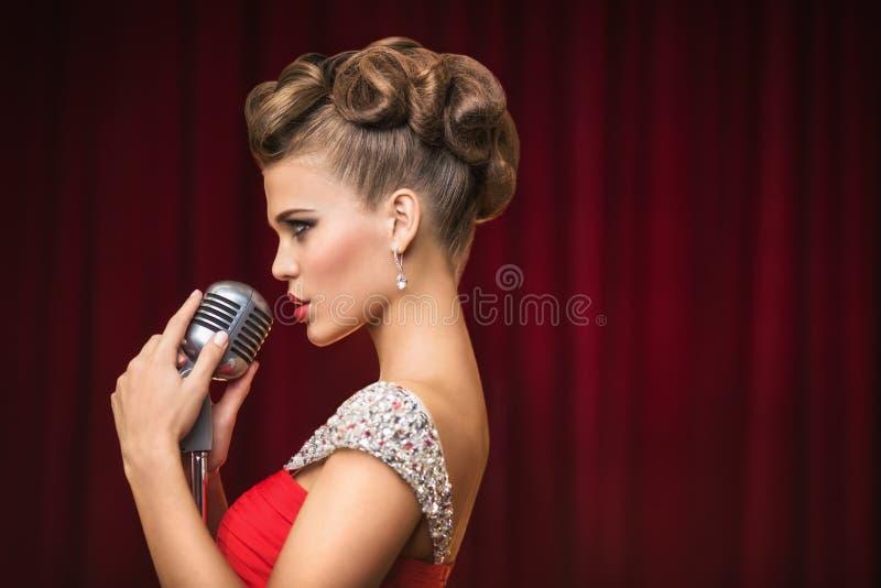 певица стоковые фото