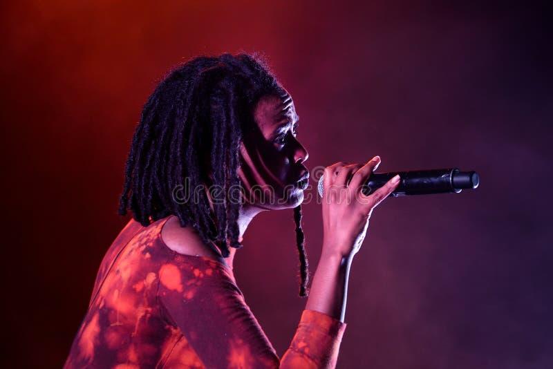 Певица Kelela американская выполняет на звуке 2015 Primavera стоковое фото rf