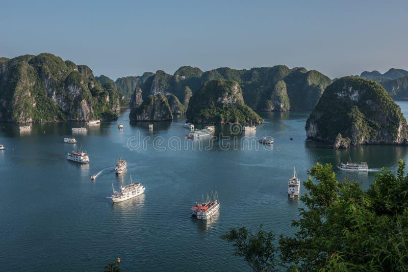 Пейзажи залива Ha длинные стоковое изображение rf