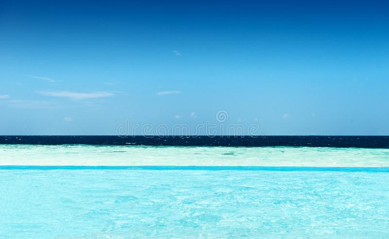 Пейзажный бассейн стоковое изображение
