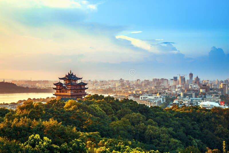 Пейзаж города Ханчжоу стоковые изображения
