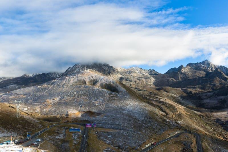 Пейзаж горы Zheduo стоковые фотографии rf