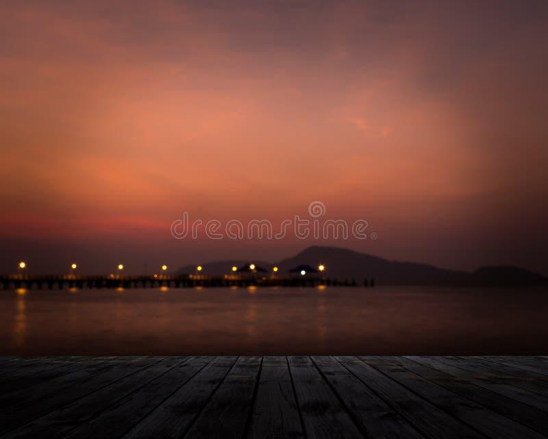 Пейзаж пристани в рано утром стоковое фото rf