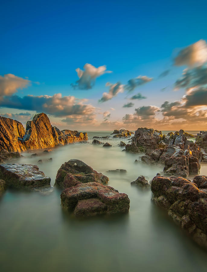 Пейзаж пляжа Pandak в Terengganu, Малайзии стоковое фото rf