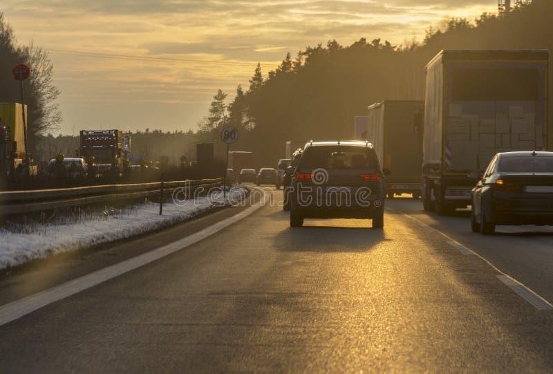 Пейзаж шоссе захода солнца стоковые фото