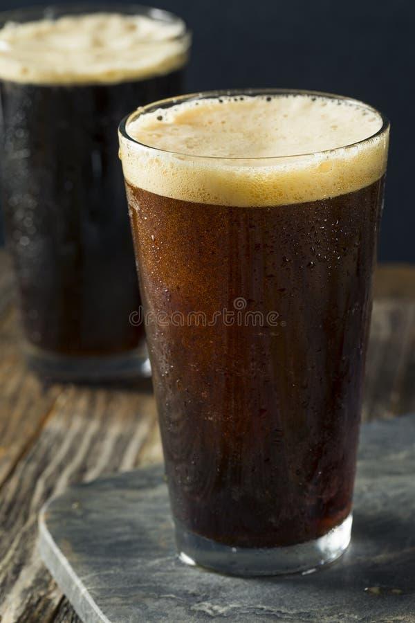 Пенистый нитро холодный кофе brew стоковые фото