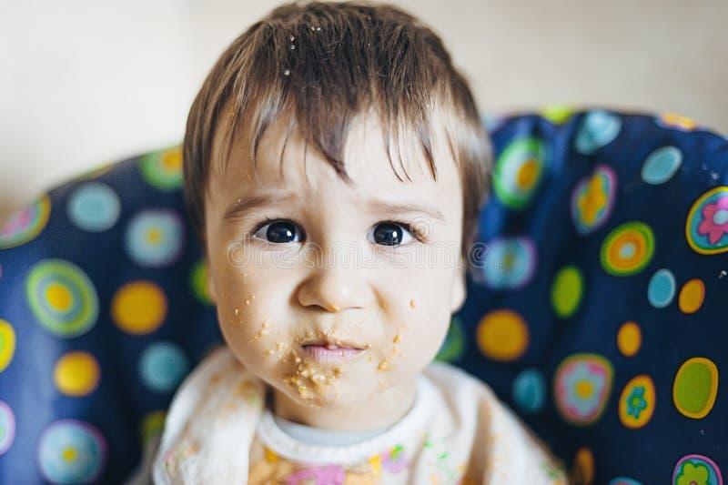 Первое детское питание стоковая фотография