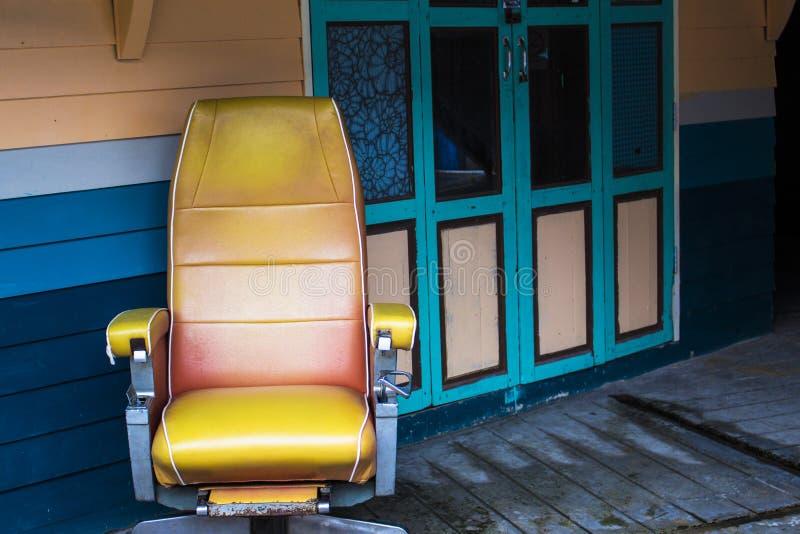 Первоначальный стул стоковые фото