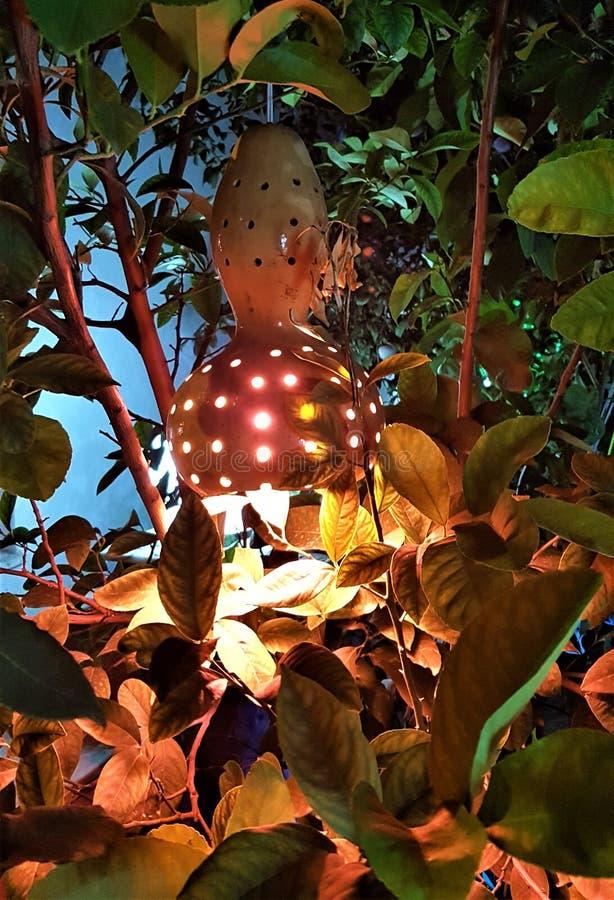 Первоначальный фонарик в улице города Kemer, Анталье, Турции стоковые фотографии rf