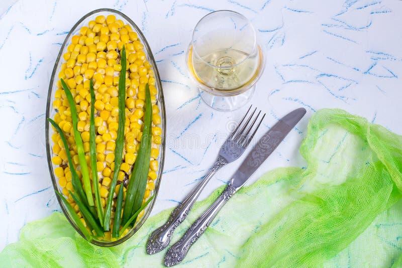 Первоначально праздничный салат в форме кукурузного початка стоковое изображение