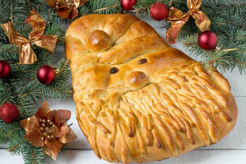 Первоначально праздничный торт в форме Санта Клауса стоковая фотография