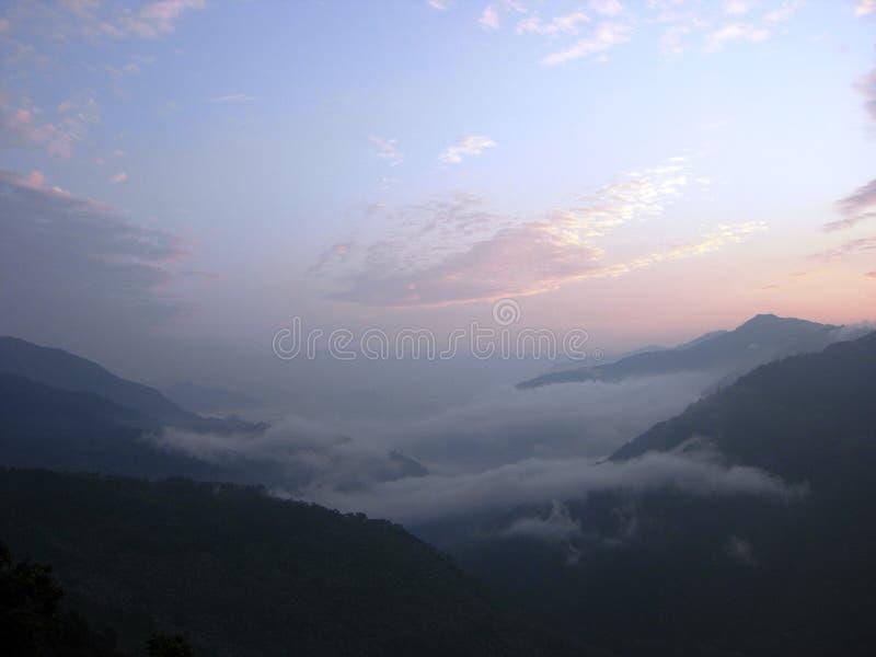 Первые лучи солнца утра на Chatakpur стоковые изображения rf