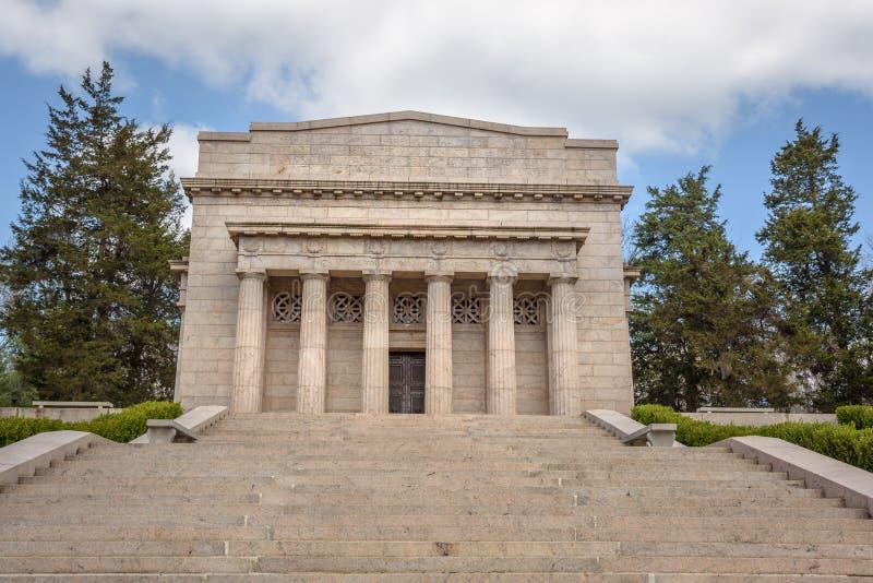 Первый мемориал Линкольна на парке места рождения Авраама Линкольна национальном историческом стоковая фотография