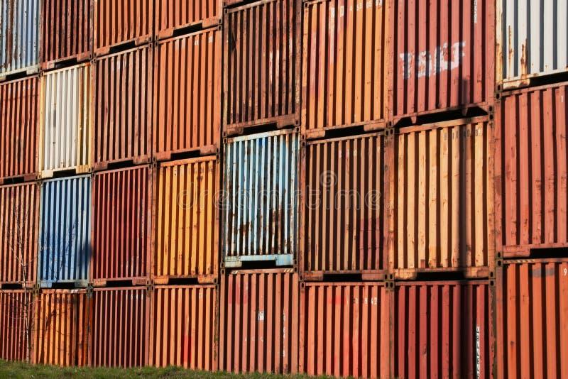 перевозка контейнера старая стоковые фотографии rf