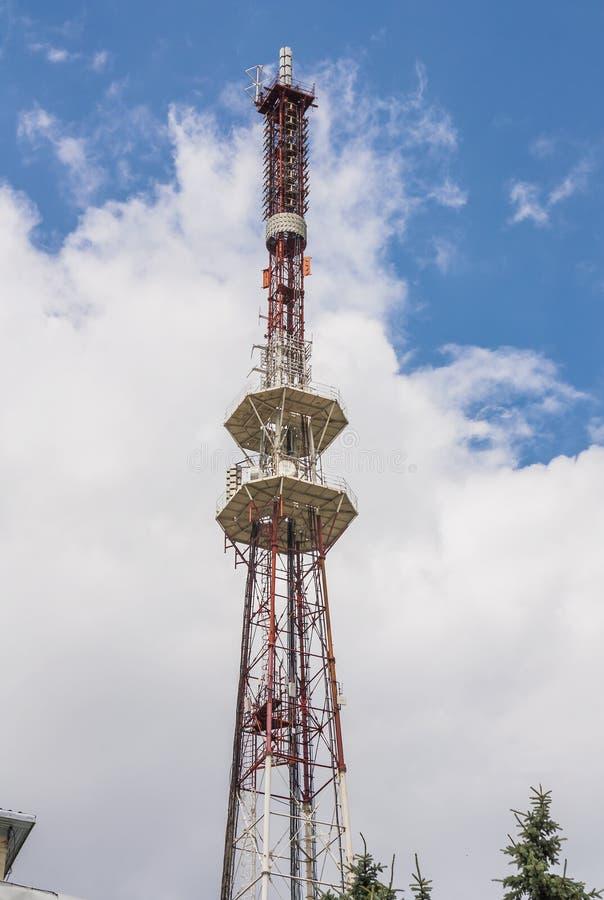 Передавая башня на держателе Mashuk в Pyatigorsk Россия стоковые фотографии rf