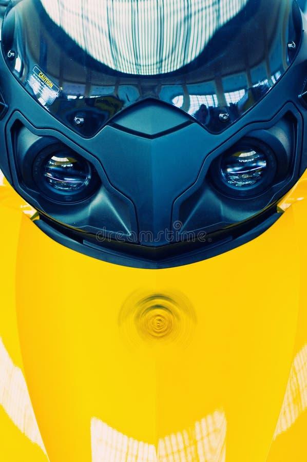 передний желтый цвет самоката стоковая фотография rf