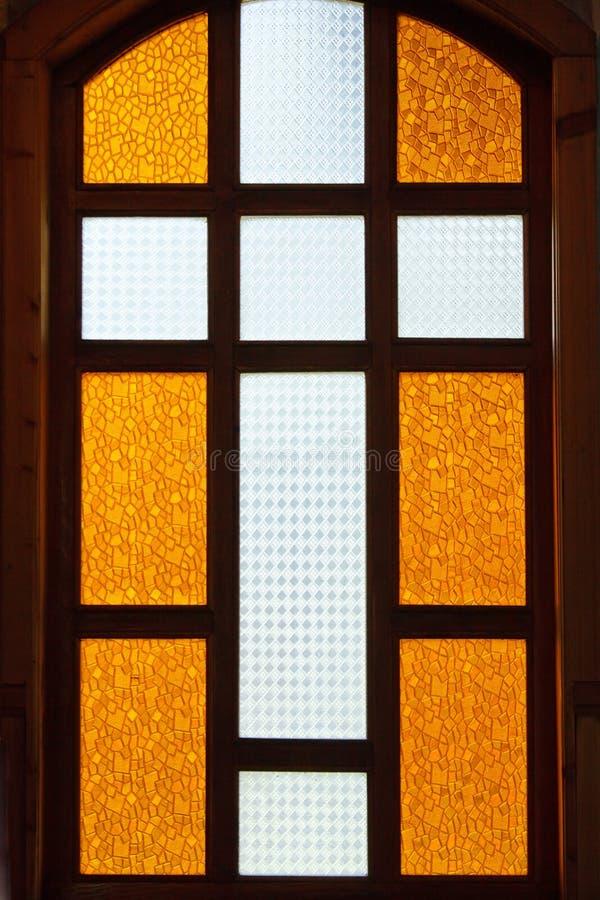 перекрестное запятнанное стекло стоковая фотография rf
