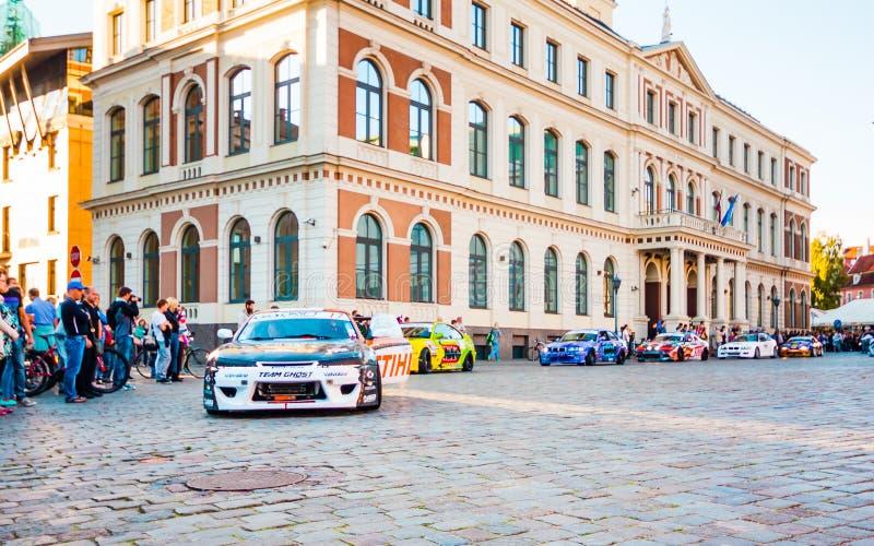 Перемещайтесь парад Allstars на квадрате Hall 31-ого июля 2015, Рига, Латвия стоковые фотографии rf