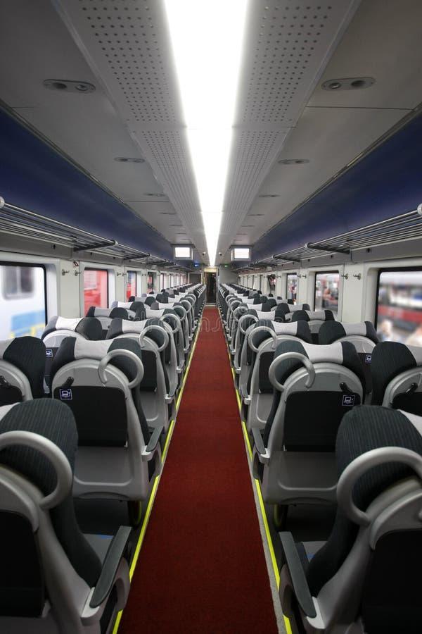 перемещать пассажирского поезда стоковые изображения