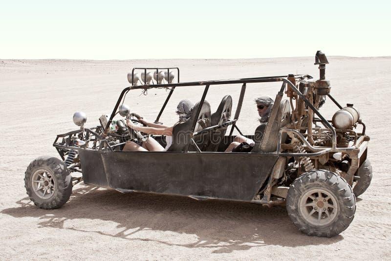 Download перемещать пустыни стоковое изображение. изображение насчитывающей назначение - 17601729