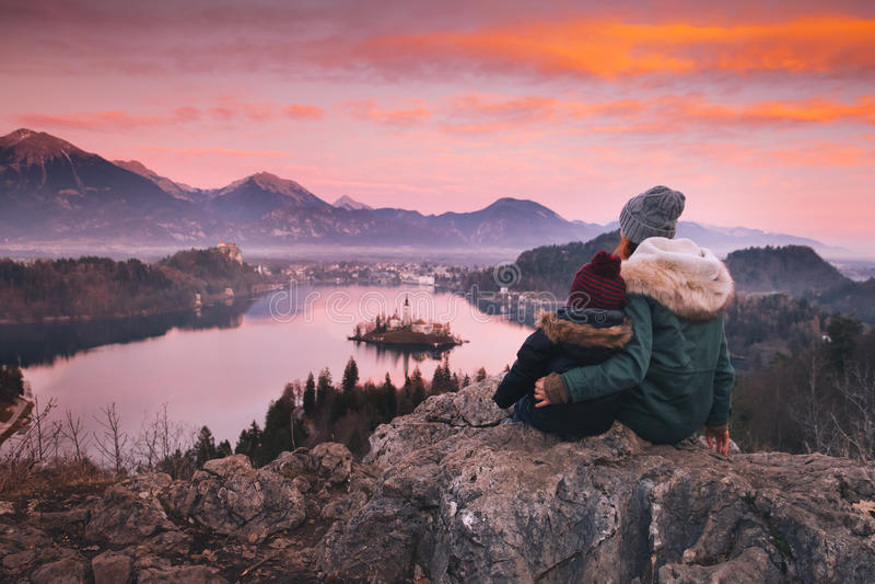 Перемещение Европа семьи кровоточенное озеро Словения стоковая фотография rf