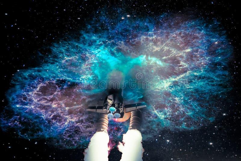 Перемещение космического корабля в галактику чужеземца фантастическую стоковые фото