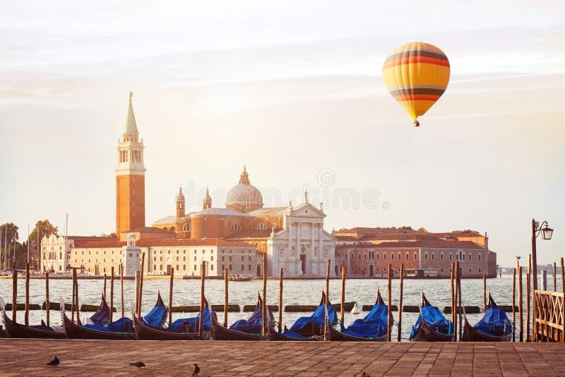 Перемещение к Венеции, Италии стоковая фотография rf