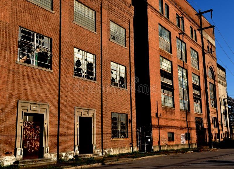 Перемещени-новое Орлеан-Луизиан-покинутое здание Facotry стоковые фото