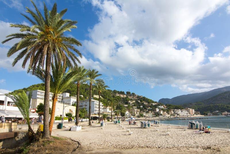 Перенесите пляж Soller, Мальорку, Балеарские острова, Испанию стоковая фотография rf